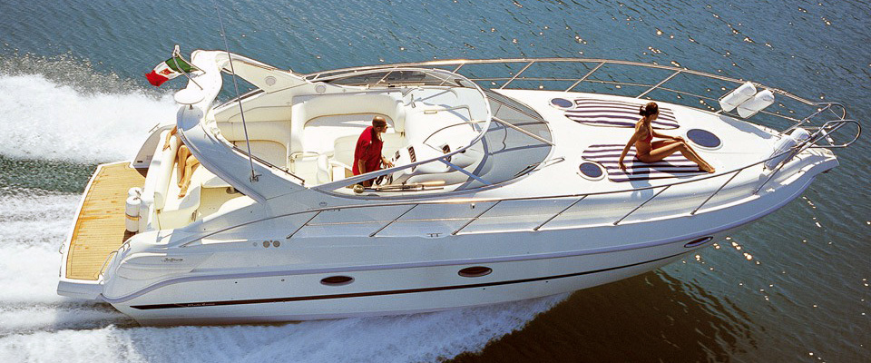 Motor Yacht Charter in Benidorm